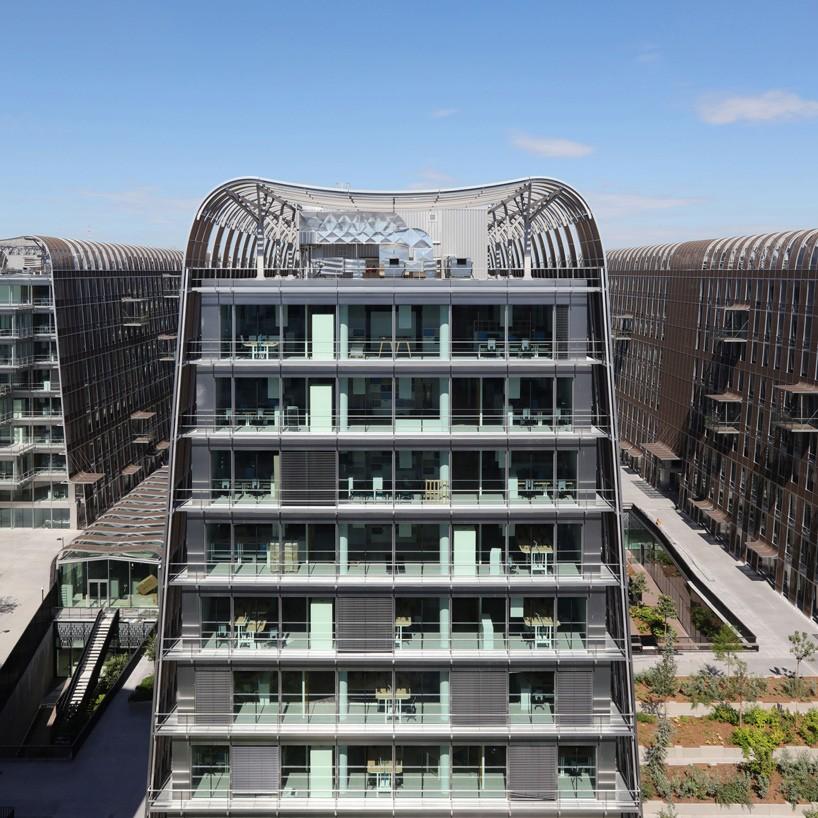 architecture-anne-demians-les-dunes-france-designboom-02-818x818