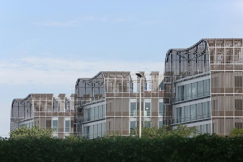 architecture-anne-demians-les-dunes-france-designboom-10