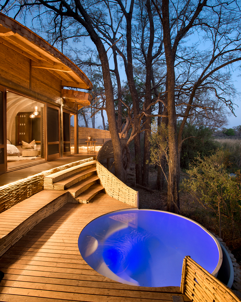 nicholas-plewman-architects-sandibe-okavango-safari-lodge-designboom-12